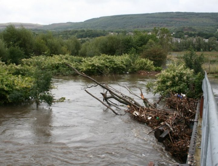 5/9/08  River Cynon next to Tirfounder Fields