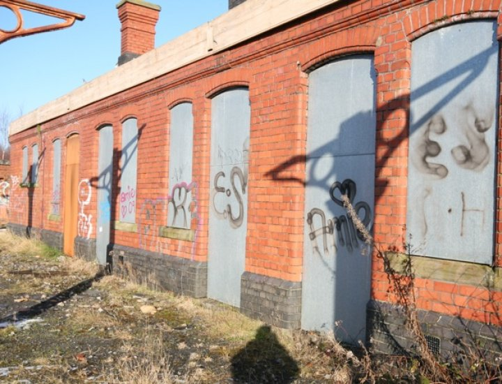 Aberdare Train Station Vandalised, graffiti and abandoned
