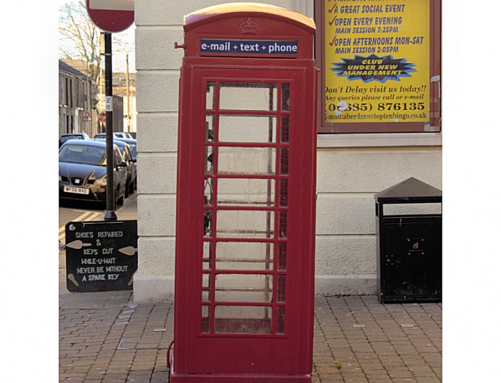 Telphone Box outside the Bingo Hall