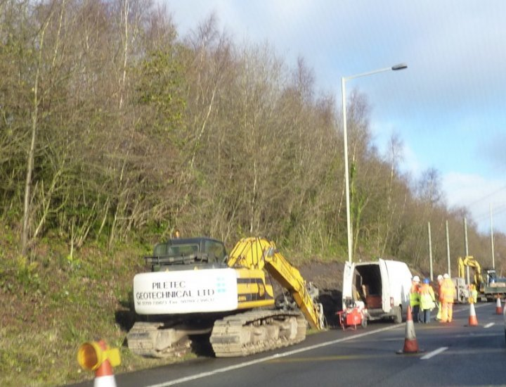 Work restarts on the A470 left lane into Cynon Valley