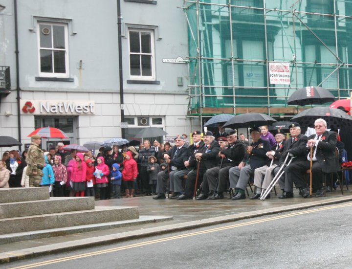 Remembrance Sunday Aberdare Cenotaph 2014