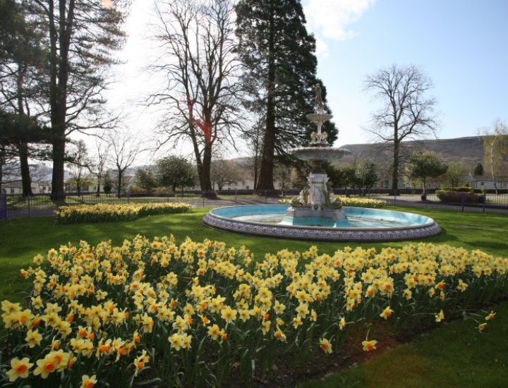 Fountain, Aberdare park. April 2010 by gerwyn jones